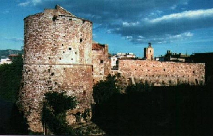 Apricena (Foggia) Torrione o Torre dell'Orologio.