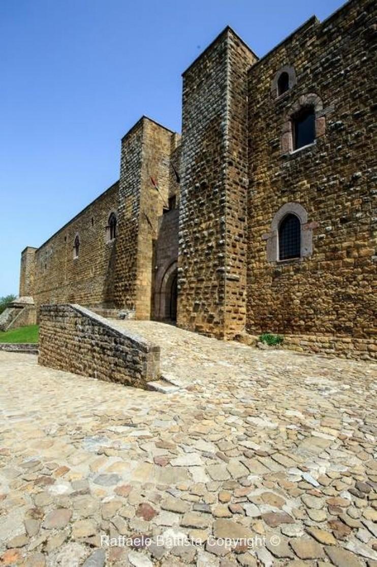 Esterno del Castello di Lagopesole