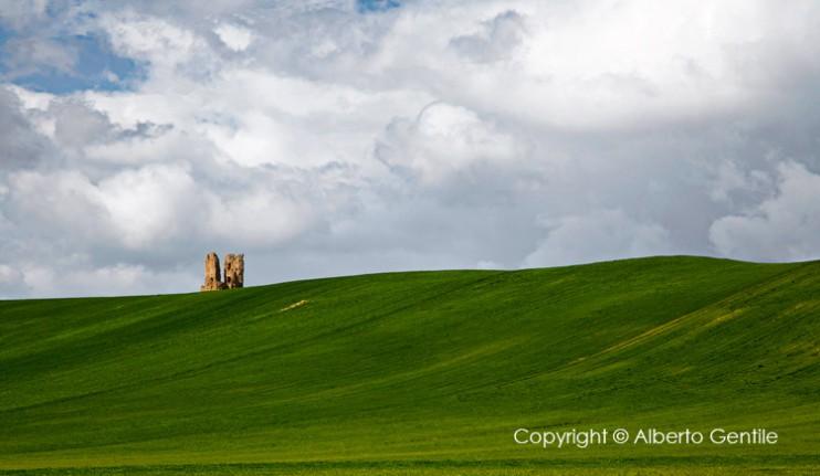Resti archeologici della torre di Tertiveri. foto di Alberto Gentile